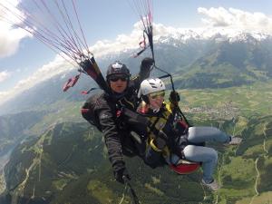 Paragliding Tandemflug über Schmittenhöhe.